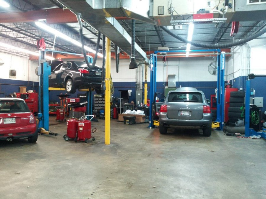 Mercedes benz repair by mb automotive services in for Mercedes benz mechanic shop